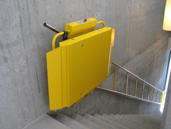 Treppenlift aussen zweifach